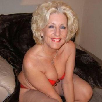 Serrena, Frau 61 jahre alt sucht einen Mann