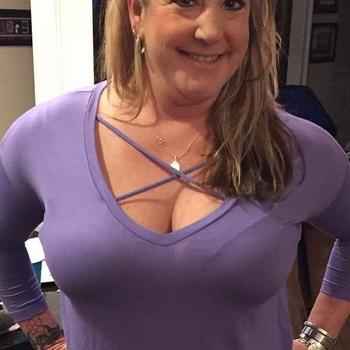 doraDay, Frau 49 jahre alt sucht einen Mann