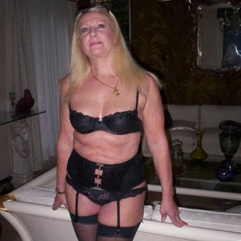 Suprise, Frau 59 jahre alt sucht einen Mann