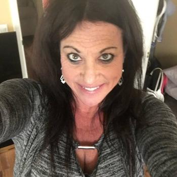 Jacky, Frau 55 jahre alt sucht einen Mann