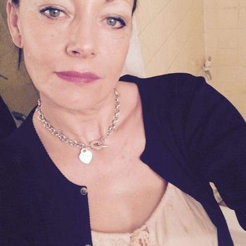 Rockabella, Frau 58 jahre alt sucht einen Mann