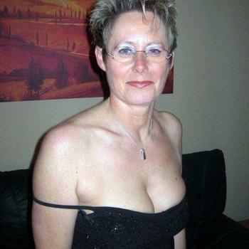Timmi, Frau 59 jahre alt sucht einen Mann