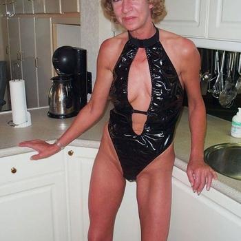 Fini, Frau 57 jahre alt sucht einen Mann