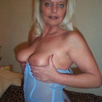 einsamehausfrau, Frau 60 jahre alt sucht einen Mann