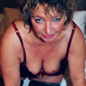 Schwoferin, Frau 55 jahre alt sucht einen Mann