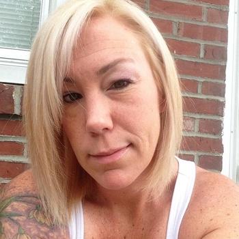 Larmetta, Frau 49 jahre alt sucht einen Mann