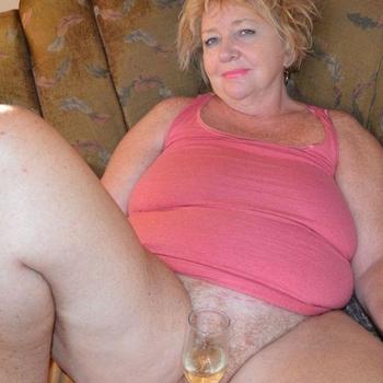 ReifeGeile, Frau 59 jahre alt sucht einen Mann