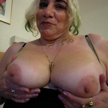 Xoodie, Frau 60 jahre alt sucht einen Mann