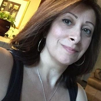 UTA, Frau 52 jahre alt sucht einen Mann