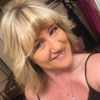 GOldie, Frau 54 jahre alt sucht einen Mann