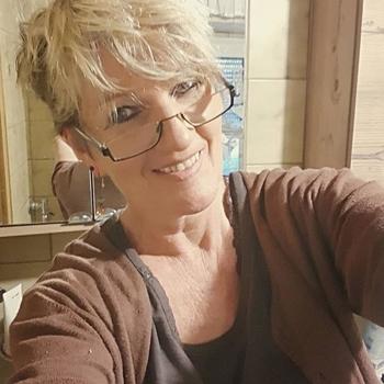 Naturnahdame, Frau 65 jahre alt sucht einen Mann